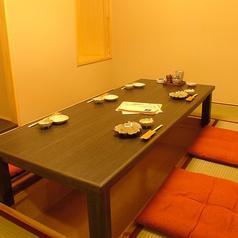 個室は全12室ご用意しています。2~4名個室3部屋、8名まで個室3部屋、15名迄個室、20名迄個室がございます。