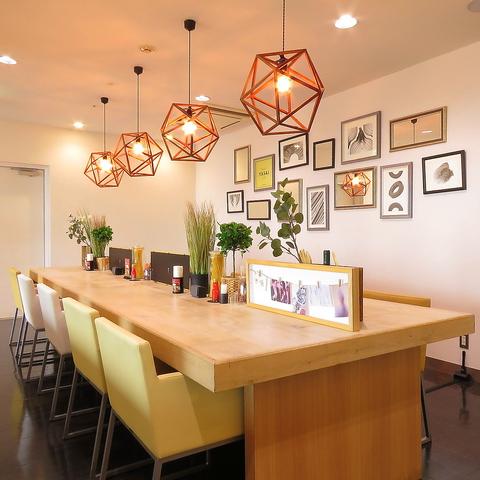イムズ12Fから眺める景色と、開放感があるスペースで、ゆったりとお食事が楽しめます