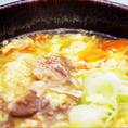 店長が毎日炊き込む牛骨スープで作る、「アゴハチスープ」「クッパ」「冷麺」はどれも牛の旨味がギュッと詰まった自信作。