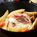 料理メニュー写真名物!モッツアレラの丸ごとステーキ