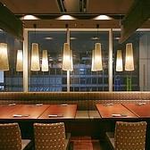 飲み放題の焼酎セラーが近い最大34名様までご利用いただける1番人気の宴会席です☆飲み会はもちろん、接待や大人数のご宴会にもおすすめのお席となっております!とても人気の高い席なので、ご予約はお早めにご利用ください!!
