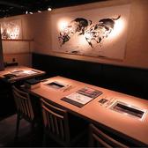 8名様までOKのテーブル席。2名様~6名様でもOK!用途に合わせたお席へご案内いたします。
