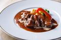 料理メニュー写真和牛バラ肉の赤ワイン煮