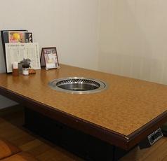 4名様の半個室座敷を2卓ご用意しております