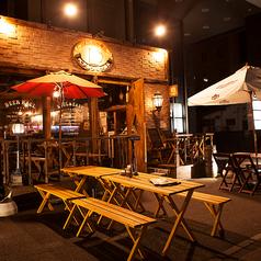 【夏季限定!テラス席】ビアガーデンとは一味違った趣のテラス席でビール片手に夏の夜をお楽しみ下さい!!(4名×2卓、2名×1卓)