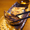 料理メニュー写真自家製鶏餃子(一人前6個)