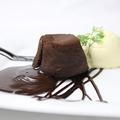 料理メニュー写真フォンダンショコラ バニラアイスZOE