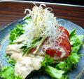 料理メニュー写真鳥菊サラダ