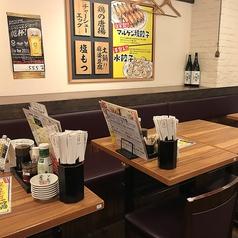 可動式のテーブルなので、人数に合わせてご案内可能です。※写真は系列店