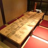 2階の窓側テーブル席。