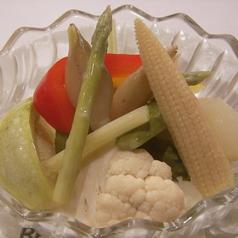 料理メニュー写真自家製BECKの色々野菜ピクルス