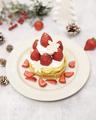 料理メニュー写真【11月、12月限定】クリスマスストロベリーショートパンケーキ