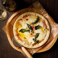 モッツァレラとフレッシュトマトソースのマルゲリータ