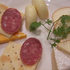 料理メニュー写真チーズの盛合せ