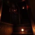 階段を上るとそこにも牢獄の扉が・・・