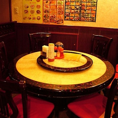 円卓もご用意。大小個室もご用意しています。