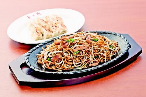 焼そばの元祖と称される日田やきそば。50年の伝統をもつ本物の味を気軽に楽しめる。