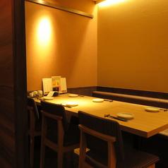 テーブル席(4名様~)は全個室席となります。