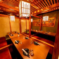 【中規模飲み会に最適】最大20名様までご利用いただけるテーブル席。同じ空間で一つになる飲み会は最高の思い出♪