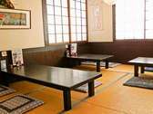お座敷のお席でのんびりとお食事できます。こだわりのおうどんをお楽しみください。