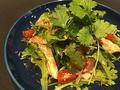 料理メニュー写真但馬鶏コンフィとパクチーのアジアンサラダ
