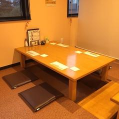 2階:お座敷は、掘りごたつ式のお席です。