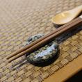 お食事に合わせ【焼酎・日本酒】も種類豊富にご用意しております。メニューのほか、季節に合わせた銘柄も。