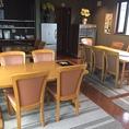 2階宴会場:4名様のテーブルx2