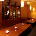 照明にはキャンドルを置き大人の空間を演出。お座敷のお席ですので、ゆったりくつろいでお過ごし頂けます♪千葉駅直ぐ!個室で宴会!記念日や洒落た空間!アットホームなサービス!