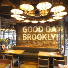 ニューヨークスタイルのおしゃれなソファ席は大人気!栄にある肉バル「THE BROOKLYN CAFE」では広い店内に多数のお席をご用意。ソファーのお席はデートや合コン、女子会などのシーンでご利用いただいております。ご予約やお問い合わせはお気軽に♪