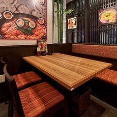 テーブル席の組み合わせで宴会場としても利用できます