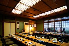 ご宴会個室(2):最大30名様までご利用いただける、お座敷席個室ご宴会会場です。団体様方にご好評頂いております。