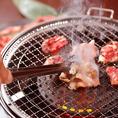 【本格的な炭火焼肉】ずわい蟹と焼肉で最高に贅沢気分!魚介×お肉の豪華なコラボレーションを存分にご堪能ください。