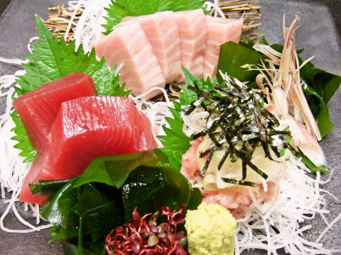 全て手作り大阪ほんまもんの家庭料理の店。ボリュームたっぷり、リーズナブルに堪能!