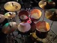 ドラムセットも標準でこれだけの装備。