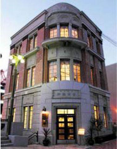 堀川沿い、古くはタイ領事館も置かれていたこの美しい洋館がタイ料理レストランに…