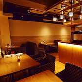 ◆2名様~14名様/メインダイニング◆ 通常のテーブル席です。温かな雰囲気の、居心地の良いメインダイニングでお食事をお楽しみ頂けます。貸し切りもご利用頂けます。