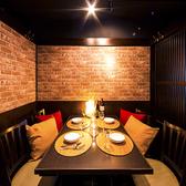 八王子駅チカ!有名デザイナーが手掛けた当店のプライベート完全個室はデートやちょっとした飲み会にも最適なお席となっております!八王子での宴会、飲み会に◎