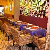◆テーブル席は1列で12名様程度お掛け頂けます。◆宇田川カフェプロデュースの落ち着き空間をお楽しみください♪アジアンテイスト×カフェなのでゆったりした空間を堪能いただけます。リゾート風のチェア等などがお客様をしっかりと包み込む仕様となっております。(渋谷/肉/女子会/誕生日)