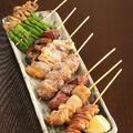 料理メニュー写真レバ(肝臓)/はつ(心臓)/しろ(胃袋)/野菜(椎茸、しし唐)