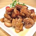肉盛り!鶏揚げ、鶏焼き、1ポンドそれぞれ980円!山盛りの肉をどーぞ!召し上がれ!