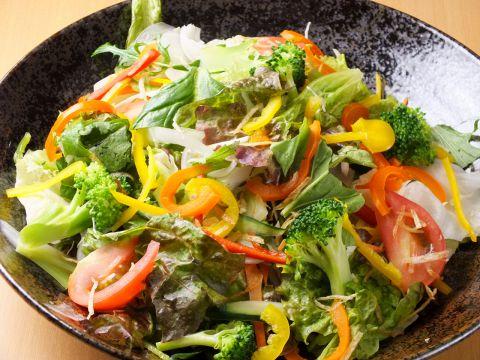 15種類のFORESTAサラダ