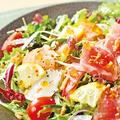 料理メニュー写真海鮮たっぷり洋風サラダ