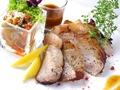 料理メニュー写真チキンのディアボラ ローズマリー風味のポテト添え