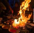 火を入れて燃え上がる様子は盛り上がること間違いなし♪使用する食材から調理器具・調理方法までこだわりぬいたYaki Banzaiの料理は一度食べたらやみつきに♪