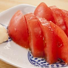料理メニュー写真完熟トマトの冷やしトマト / きゅうりのにんにく叩き漬け
