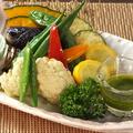 料理メニュー写真自家農園夏野菜の素揚げ盛合せ~自家農園野菜ドレッシング~