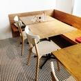 明るい雰囲気のテーブル席★