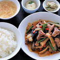 料理メニュー写真黒豚ホルモンピリ辛炒め