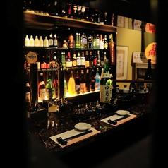 居酒屋ながらまるでバーにいるよう!?周りと仕切られたカウンターは1名様大歓迎♪もちろん、2名様でも大歓迎です!